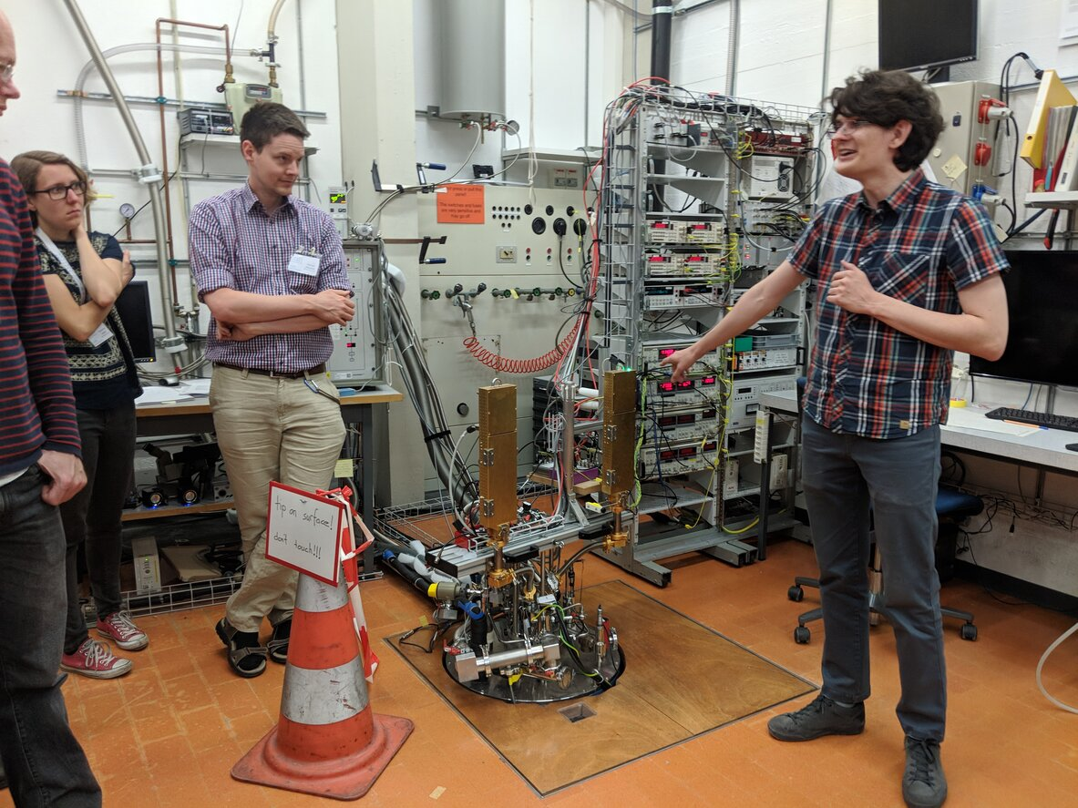 Discovering highest and lowest Kelvin values during the Lab tours, ETH Zurich